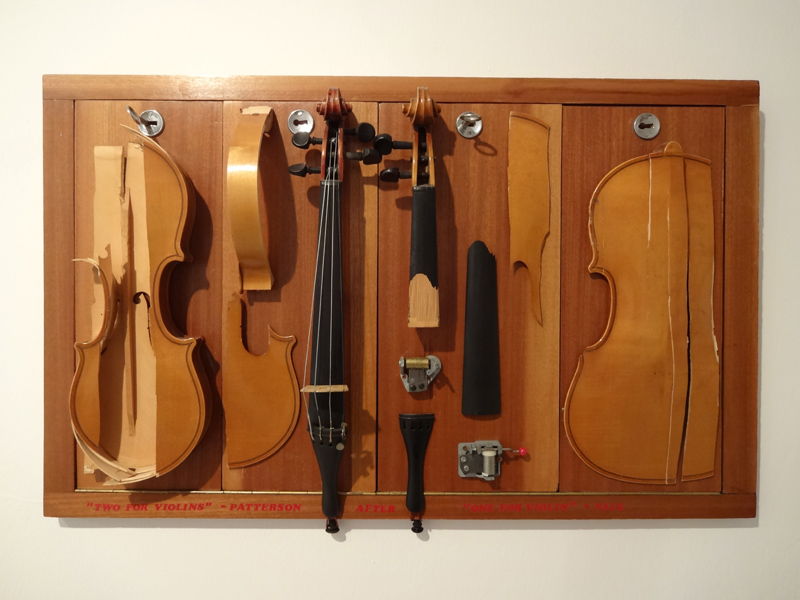 "Ben Patterson (* 1934) ""Two for violins"" – Patterson , after ""One for violins"" - Paik, 1991 Teile zweier Violinen, Holztürattrappen, zwei Spieluhren 78,7 x 48,3 x 10,2 cm"