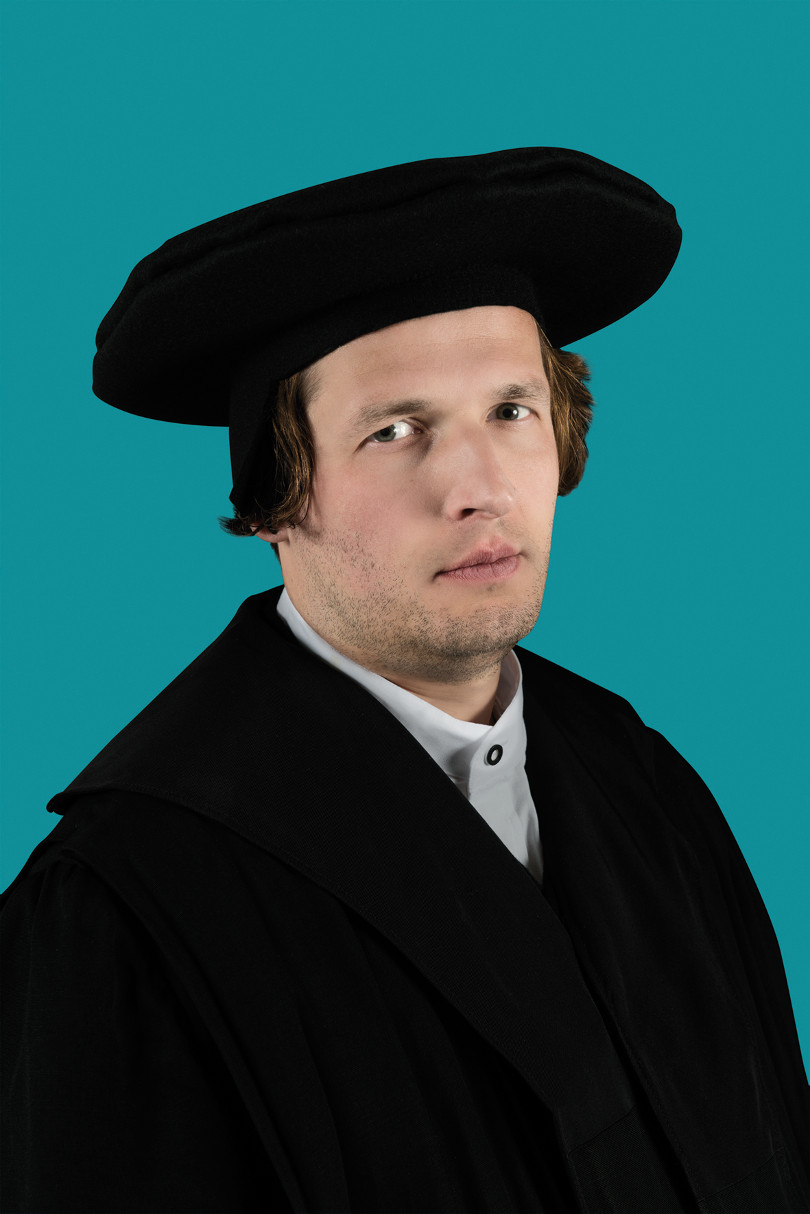 Luther (mit dem Doktorhut). Foto: (© glassbooth)